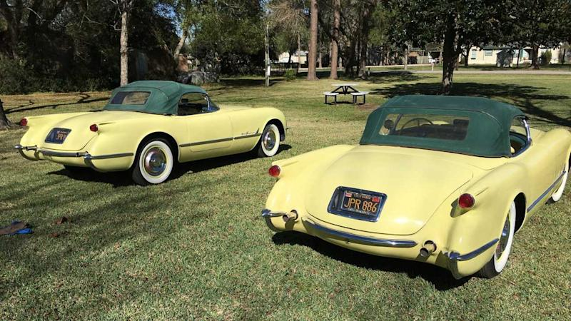 Identical, Consecutive-VIN '55 Corvettes Make a Nice Pair