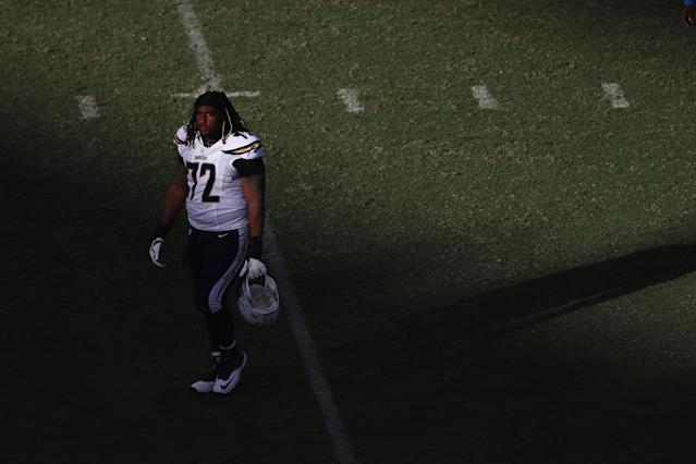 "SAN DIEGO, CA – OCTOBER 02: <a class=""link rapid-noclick-resp"" href=""/nfl/players/24879/"" data-ylk=""slk:Joe Barksdale"">Joe Barksdale</a> #72 of the San Diego Chargers walks off the field after being defeated by the <a class=""link rapid-noclick-resp"" href=""/nfl/teams/nor/"" data-ylk=""slk:New Orleans Saints"">New Orleans Saints</a> 35-34 in a game at Qualcomm Stadium on October 2, 2016 in San Diego, California. (Photo by Sean M. Haffey/Getty Images)"