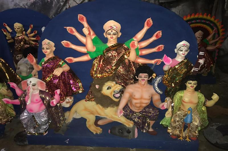 Covid-19 Slashed Goddess Durga's Height but Delhi's Idol-makers Face Losses That Inches Can't Measure