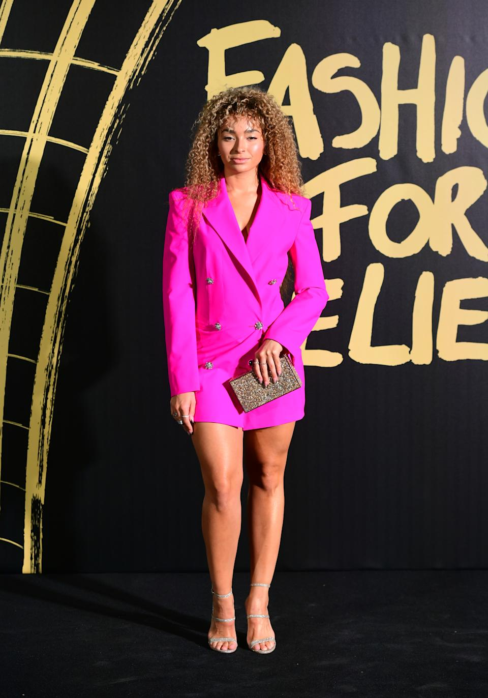 Ella Eyre arriving on the red carpet for Naomi Campbell's Fashion For Relief Gala during London Fashion Week [Photo: PA]