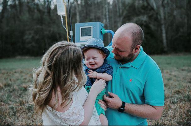 PHOTO: Exton Black is pictured with his parents. (Ivory and Grace Photography)