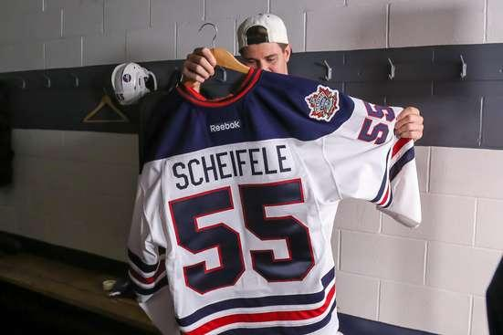 Jets unveil beautiful Heritage Classic jerseys  alumni game rosters ... 4f1bee6ef