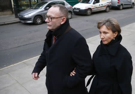 Marina Litvinenko, widow of murdered KGB agent Alexander Litvinenko makes her way back to the High Court in central London, January 27, 2015. Litvinenko was attending the first day of the long-awaited public inquiry into the death of her husband, nine years after the former KGB spy died after drinking tea poisoned with a rare radioactive isotope in the British capital. REUTERS/Andrew Winning