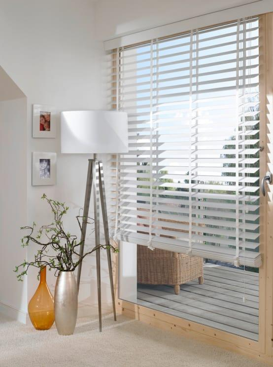 "<p>Start closing curtains, blinds and drapes as soon as dusk settles in to maximise your house's potential to retain that heat.</p><p>Whether it's an extension, a full-on renovation or just some spruce-ups at home, have a look at our list of <a rel=""nofollow"" href=""https://www.homify.co.uk/professionals"">professionals</a> who can help you out.</p>  Credits: homify / Gama Styl"