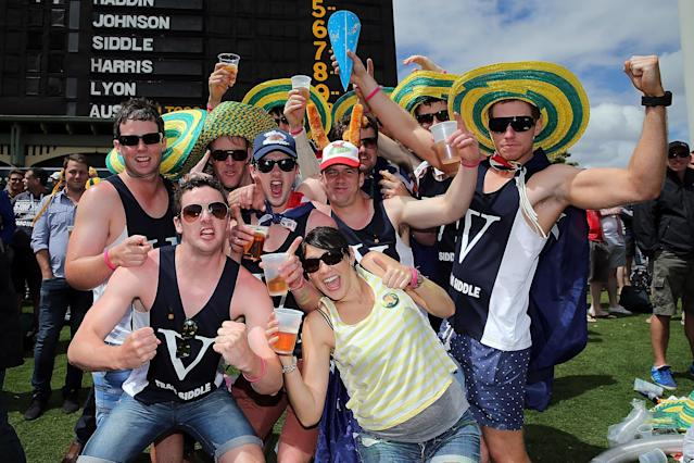 ADELAIDE, AUSTRALIA - DECEMBER 05: Spectators enjoy the atmosphere during day one of the Second Ashes Test Match between Australia and England at Adelaide Oval on December 5, 2013 in Adelaide, Australia. (Photo by Morne de Klerk/Getty Images)