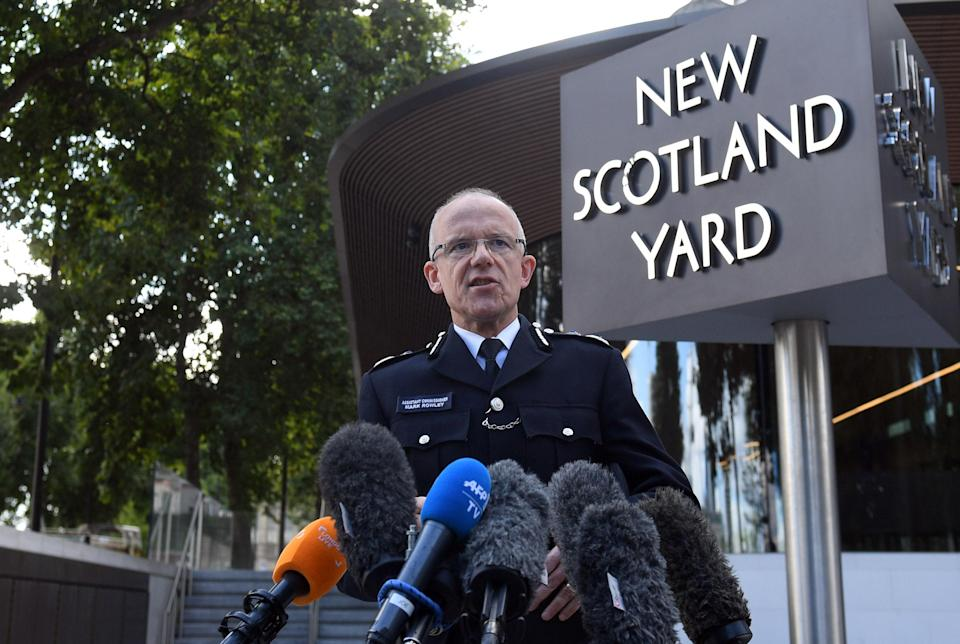 <p>Metropolitan Police Assistant Commissioner Mark Rowley speaks to the media outside New Scotland Yard in the wake of the blast. (PA) </p>