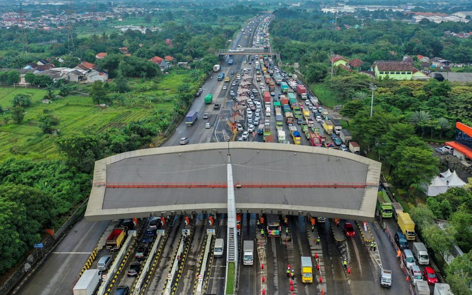 A traffic jam at Cikupa Toll Gate today - Indonesia Out via Reuters