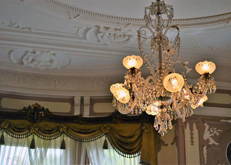 ▲The chandelier in the Guest Room was made by the world-famous Baccarat