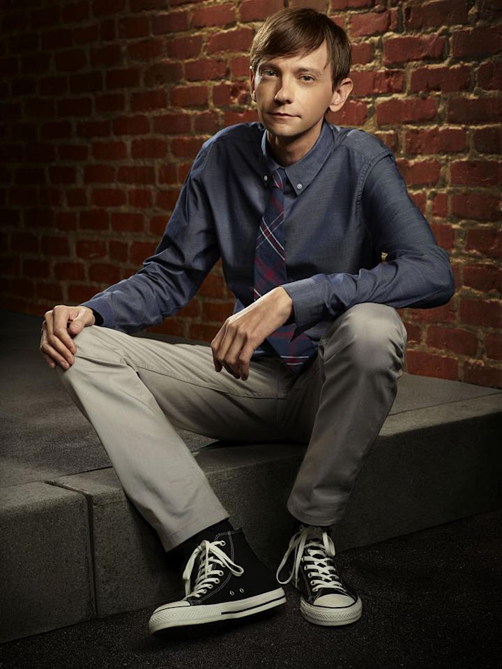 "DJ Qualls as Davey Sutton: If Donald Joseph Qualls looks at home on a show set in Memphis, that's because he was born and raised in Tennessee. After landing his big break in the 2000 comedy ""<a href=""<a href=""http://movies.yahoo.com/movie/1800360158/info"" rel=""nofollow"">Road Trip</a>,"" he's racked up an impressive resumé of both film and TV credits, including such shows as ""<a href=""/scrubs/show/33475"">Scrubs</a>,"" ""<a href=""/breaking-bad/show/40954"">Breaking Bad</a>,"" ""<a href=""/lost/show/36617"">Lost</a>,"" ""<a href=""/monk/show/27875"">Monk</a>,"" ""<a href=""/the-big-bang-theory/show/39758"">The Big Bang Theory</a>,"" ""<a href=""/criminal-minds/show/38090"">Criminal Minds</a>,"" and even ""<a href=""/my-name-is-earl/show/37824"">My Name Is Earl</a>,"" where he worked with current costar Jason Lee."