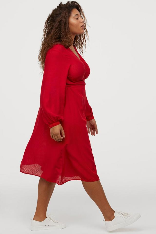 "<p>This <a href=""https://www.popsugar.com/buy/HampM-V-Neck-Wrap-Dress-545656?p_name=H%26amp%3BM%2B%20V-Neck%20Wrap%20Dress&retailer=www2.hm.com&pid=545656&price=50&evar1=fab%3Aus&evar9=47168912&evar98=https%3A%2F%2Fwww.popsugar.com%2Ffashion%2Fphoto-gallery%2F47168912%2Fimage%2F47169174%2FHM-V-Neck-Wrap-Dress&list1=shopping%2Cdresses%2Ccurvy%20fashion&prop13=api&pdata=1"" rel=""nofollow"" data-shoppable-link=""1"" target=""_blank"" class=""ga-track"" data-ga-category=""Related"" data-ga-label=""https://www2.hm.com/en_us/productpage.0816448002.html"" data-ga-action=""In-Line Links"">H&amp;M+ V-Neck Wrap Dress</a> ($50) is so flattering.</p>"
