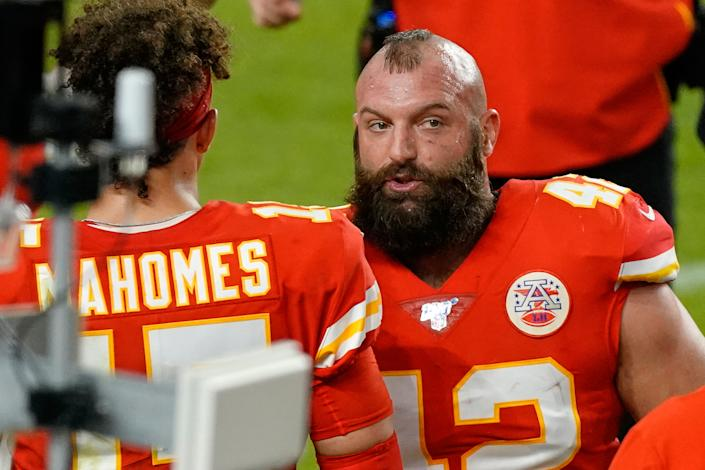 MIAMI GARDENS, FL - FEBRUARY 02: Kansas City Chiefs running back Anthony Sherman (42) talks with Kansas City Chiefs quarterback Patrick Mahomes (15) in game action during the Super Bowl LIV game between the Kansas City Chiefs and the San Francisco 49ers on February 2, 2020 at Hard Rock Stadium, in Miami Gardens, FL. (Photo by Robin Alam/Icon Sportswire via Getty Images)