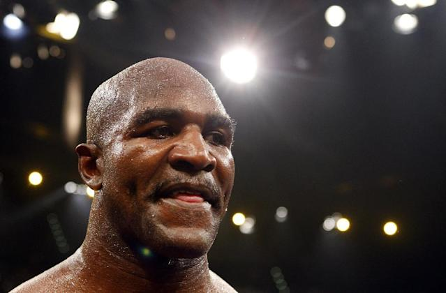 Mike Tyson to present Evander Holyfield with Hall of Fame honor