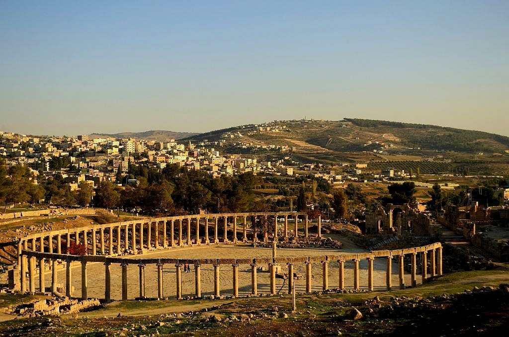 The portals of Jerash open into an ancient city – a Greco-Roman town called Gerasa.  The city may be in ruins now but it was believed to have been occupied as early as 6,500 years ago.