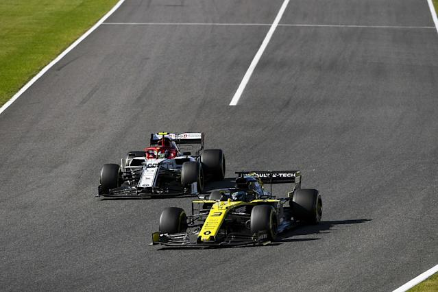 Ricciardo: Heads dropped at Renault after summer