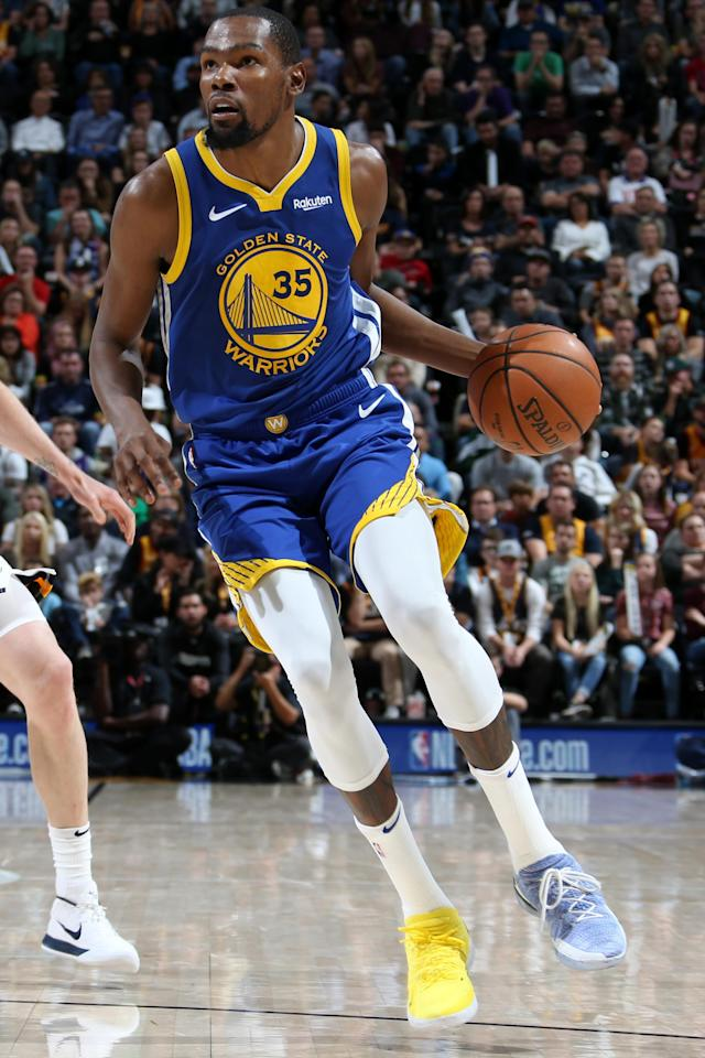 SALT LAKE CITY, UT - OCTOBER 19: Kevin Durant #35 of the Golden State Warriors handles the ball against the Utah Jazz during a game on October 19, 2018 at Vivint Smart Home Arena in Salt Lake City, Utah. (Photo by Melissa Majchrzak/NBAE via Getty Images)