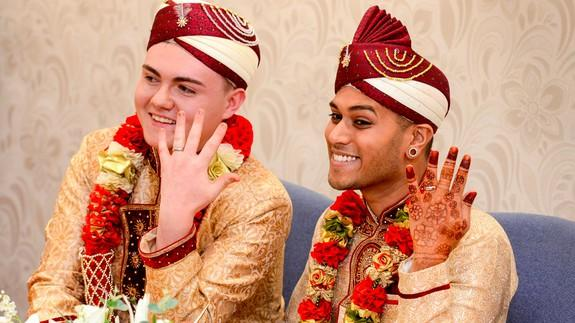 Grooms marry in same sex muslim wedding to show the world you can grooms marry in same sex muslim wedding to show the world you can be gay and muslim junglespirit Image collections