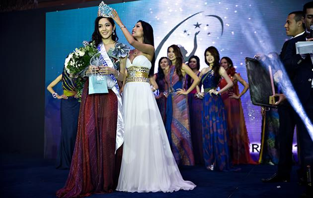 Business executive, Shi Lim, 24, wins Miss Singapore Universe 2013 title