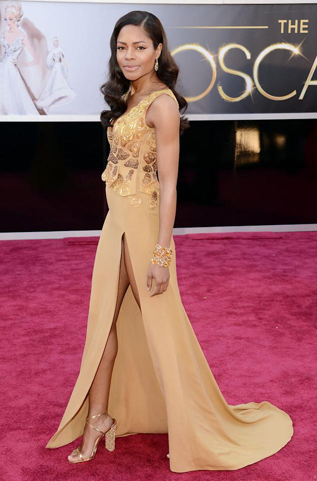 Naomie Harris arrives at the Oscars at Hollywood & Highland Center on February 24, 2013 in Hollywood, California.