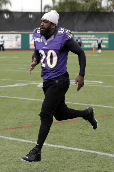 Baltimore Ravens safety Ed Reed warms up during an NFL Super Bowl XLVII football practice on Wednesday, Jan. 30, 2013, in New Orleans. The Ravens face the San Francisco 49ers in Super Bowl XLVII on Sunday, Feb. 3. (AP Photo/Patrick Semansky)