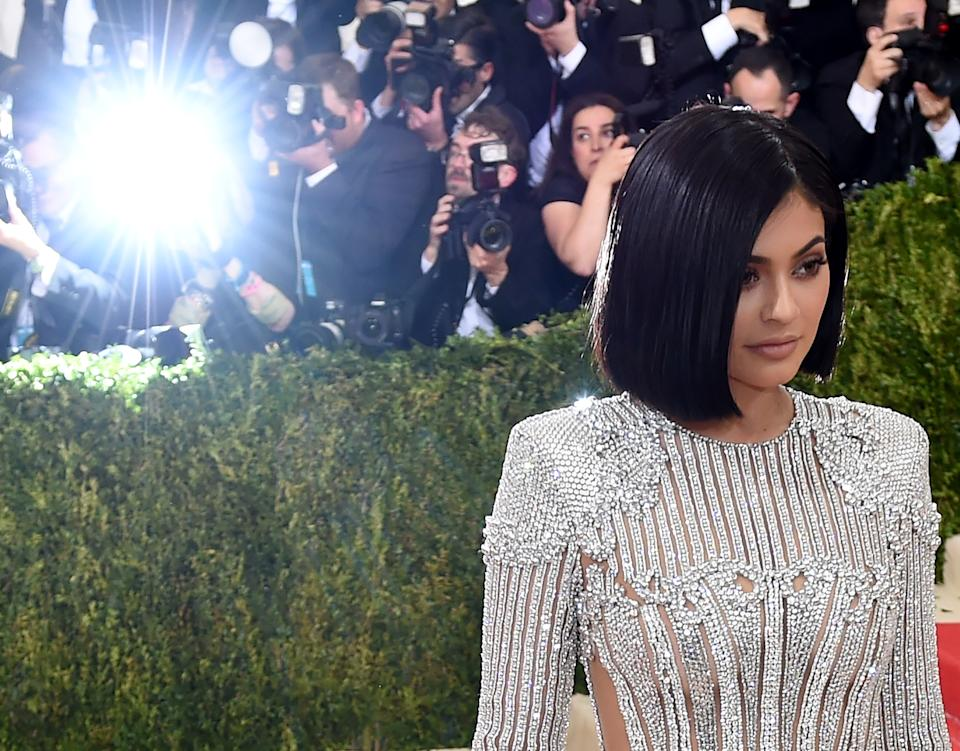 Kylie Jenner wore her hair in a slick bob for the 2016 MET Gala. (Photo: TIMOTHY A. CLARY/AFP/Getty Images)