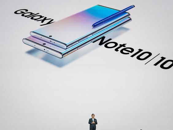 DJ Koh, president and CEO of Samsung Electronics, presents the Galaxy Note 10 smartphone during a launch event at Barclays Center on 7 August, 2019 in New York (Getty Images)