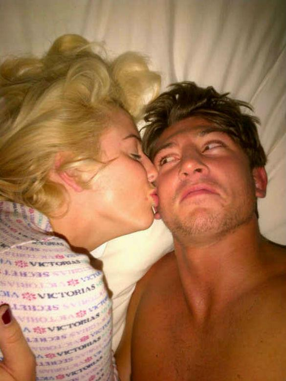 TOWIE's Lydia Bright Tweets A Pic Of Herself In Bed With New Man Tom
