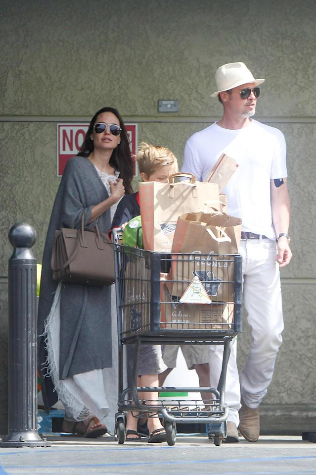 Angelina Jolie and Brad Pitt made a trip to Gelson's Market for Fourth of July holiday preparations in 2016. (Photo: AKM-GSI)