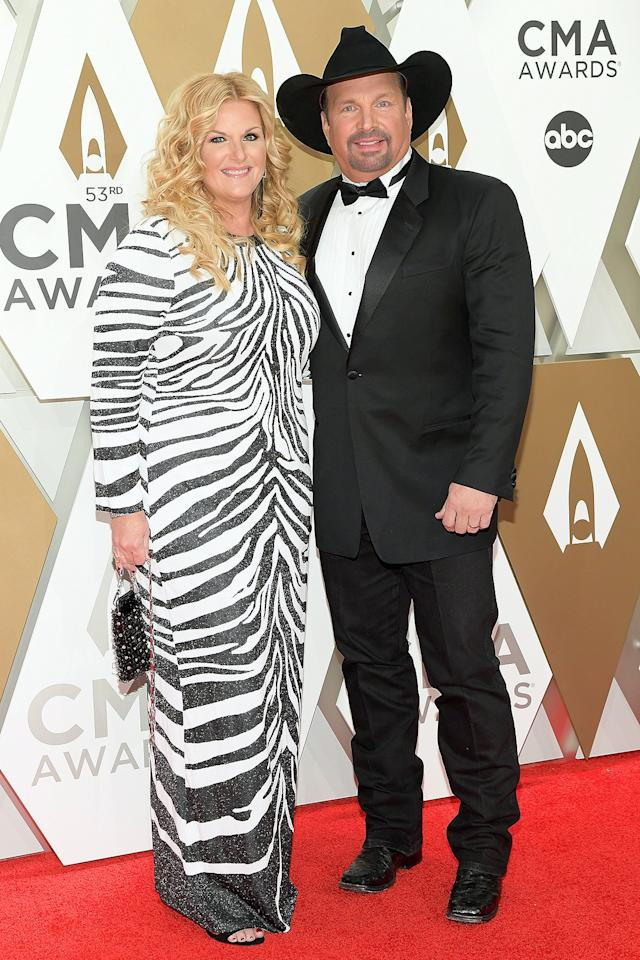 Country's iconic couple goes for a black-and-white vibe for the CMA Awards.