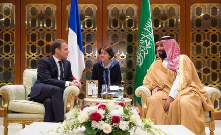 Saudi Crown Prince Mohammed bin Salman meets with French President Emmanuel Macron in Riyadh, Saudi Arabia, November 9, 2017. Saudi Press Agency/Handout via REUTERS