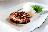 """<p>There's only one thing better than a perfectly cooked steak: a side of creamy mashed potatoes! This steamy, cloud-like side can be made ahead of time.</p><p><strong><a href=""""https://www.thepioneerwoman.com/food-cooking/recipes/a10549/salisbury-steak-mashed-potatoes-and-peas/"""" rel=""""nofollow noopener"""" target=""""_blank"""" data-ylk=""""slk:Get the recipe"""" class=""""link rapid-noclick-resp"""">Get the recipe</a>.</strong></p><p><a class=""""link rapid-noclick-resp"""" href=""""https://go.redirectingat.com?id=74968X1596630&url=https%3A%2F%2Fwww.walmart.com%2Fbrowse%2Fhome%2Fthe-pioneer-woman-cookware%2F4044_623679_6182459_9190581&sref=https%3A%2F%2Fwww.thepioneerwoman.com%2Ffood-cooking%2Fmeals-menus%2Fg35191871%2Fsteak-dinner-recipes%2F"""" rel=""""nofollow noopener"""" target=""""_blank"""" data-ylk=""""slk:SHOP COOKWARE"""">SHOP COOKWARE</a></p>"""