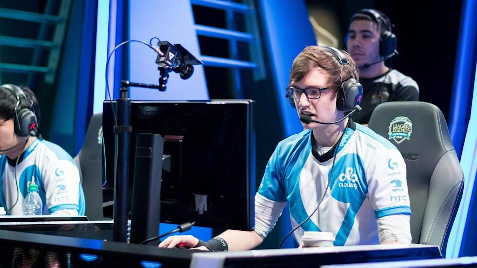 "William ""Meteos"" Hartman helping former team Cloud9 at the 2016 NA LCS (Jeremy Wacker)"
