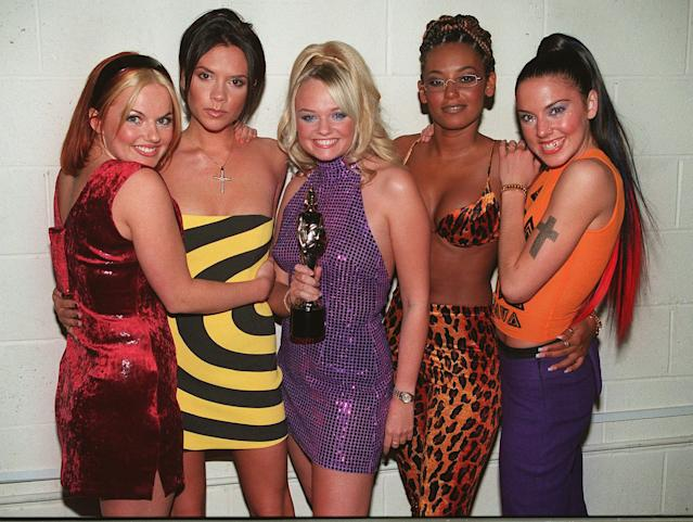 LONDON - FEB 10: The Spice Girls pose with their Brit Award after the annual pop awards ceremony in London, 1998. (Photo by Dave Hogan/Getty Images)