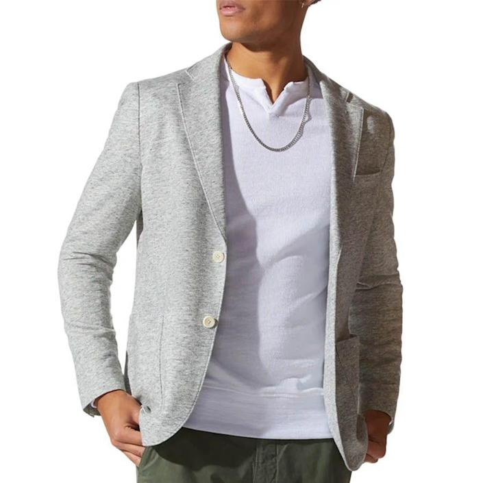 """<p><strong>GOOD MAN BRAND</strong></p><p>nordstrom.com</p><p><strong>$298.00</strong></p><p><a href=""""https://go.redirectingat.com?id=74968X1596630&url=https%3A%2F%2Fwww.nordstrom.com%2Fs%2Fgood-man-brand-slim-fit-vintage-twill-knit-sport-coat%2F5002042&sref=https%3A%2F%2Fwww.menshealth.com%2Fstyle%2Fg26014395%2Fbest-spring-jackets-men%2F"""" rel=""""nofollow noopener"""" target=""""_blank"""" data-ylk=""""slk:BUY IT HERE"""" class=""""link rapid-noclick-resp"""">BUY IT HERE</a></p><p>The perfect springtime blazer option, this sport coat is soft-shouldered and slim fit for a contemporary silhouette. The space-dyed knit twill fabric differentiates it from your sports coats past, making it feel fashion-forward.</p>"""