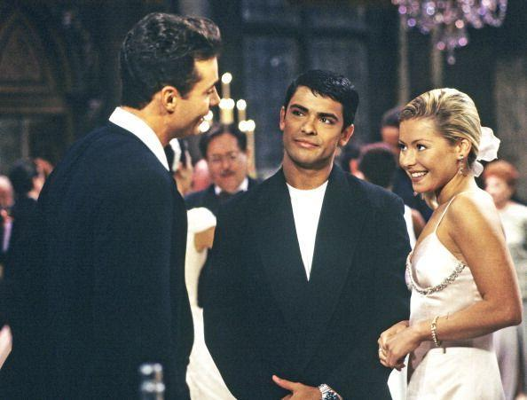 """<p>The actors started out as an on-screen couple on <em>All My Children</em>, which also blossomed off-screen. Their TV characters got married in an elaborate church ceremony, but Mark Consuelos and Kelly Ripa eloped in Las Vegas. """"Right before we got married, we broke up,"""" <a href=""""https://www.goodhousekeeping.com/life/entertainment/a22168120/kelly-ripa-mark-consuelos-broke-up-marriage/?utm_campaign=arb_%20parameter"""" rel=""""nofollow noopener"""" target=""""_blank"""" data-ylk=""""slk:Kelly revealed"""" class=""""link rapid-noclick-resp"""">Kelly revealed</a> in a <a href=""""https://toppodcast.com/podcast_feeds/comments-by-celebs/"""" rel=""""nofollow noopener"""" target=""""_blank"""" data-ylk=""""slk:Comments by Celebs podcast"""" class=""""link rapid-noclick-resp""""><em>Comments by Celebs</em> podcast</a>. """"We broke up and we got back together the day before we went off and eloped.""""</p>"""