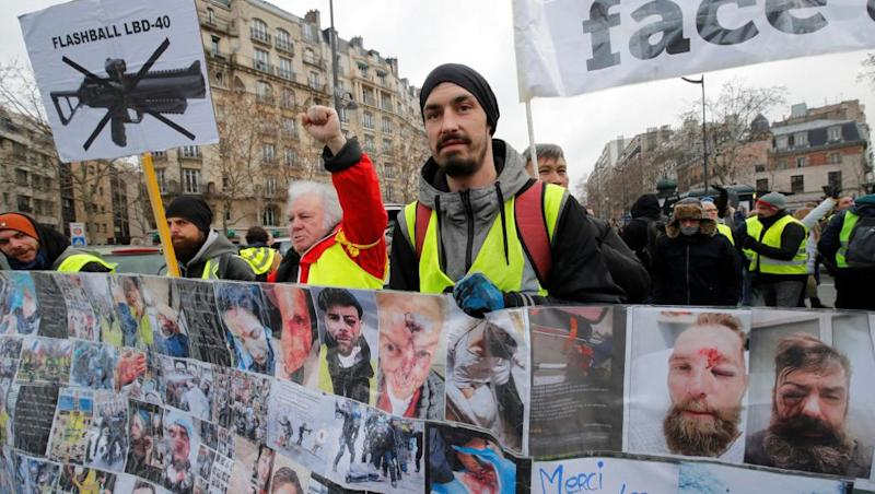 Yellow Vests denounce police violence amid sporadic clashes