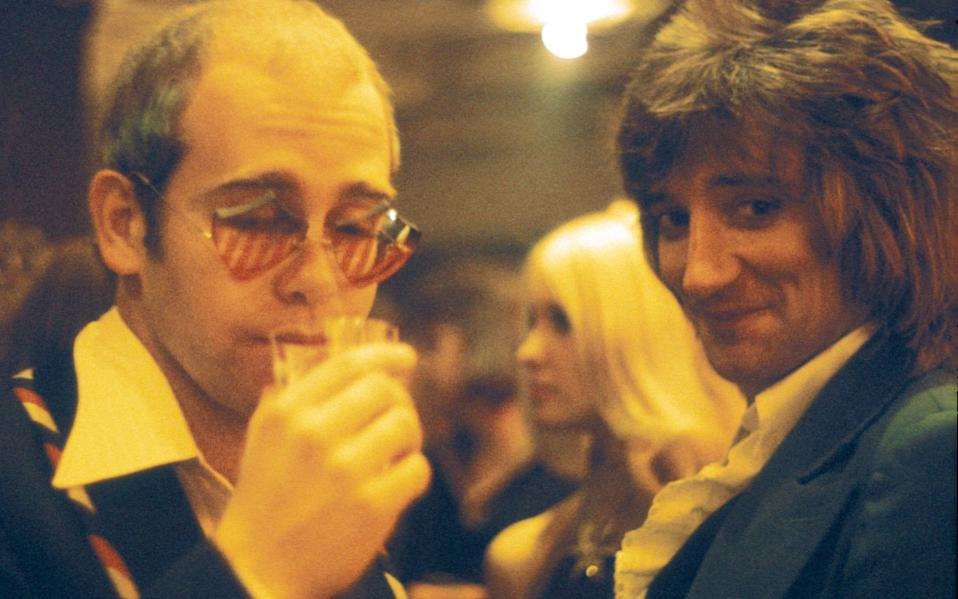 Elton John and Rod Stewart at Ronnie Wood's concert in 1974 - Hulton Archive