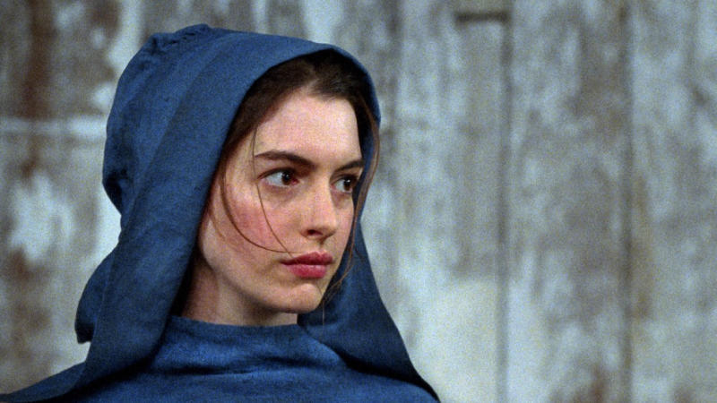 Anne Hathaway in 'Les Misérables'. (Credit: Universal)