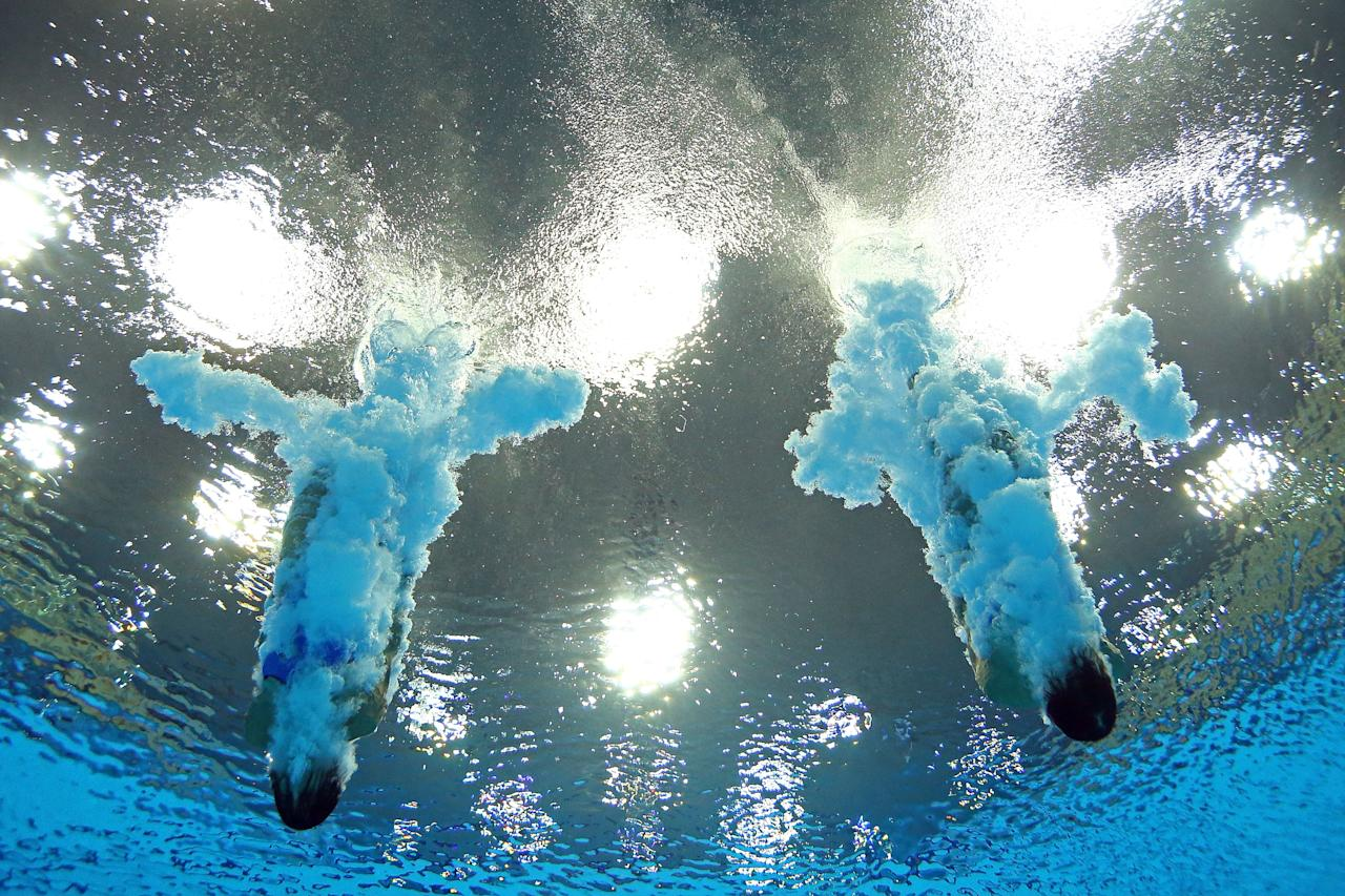 LONDON, ENGLAND - JULY 31:  Paola Espinosa Sanchez and Alejandra Orozco Loza of Mexico compete in the Women's Synchronised 10m Platform Diving on Day 4 of the London 2012 Olympic Games at the Aquatics Centre on July 31, 2012 in London, England.  (Photo by Al Bello/Getty Images)