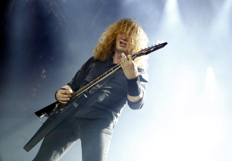 Megadeth frontman Dave Mustaine diagnosed with throat cancer