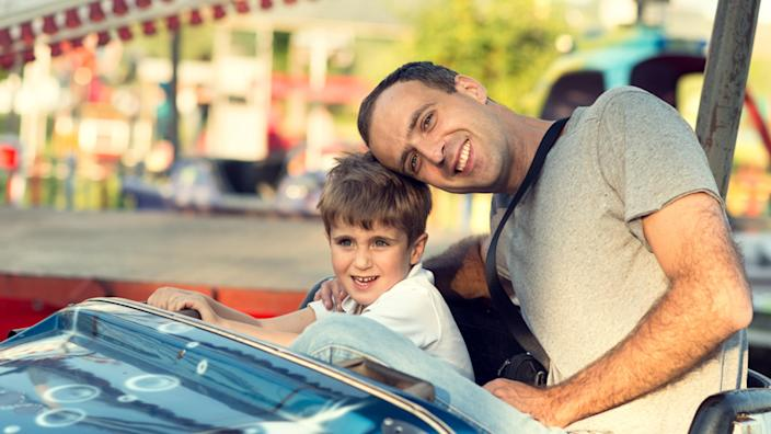 family vacations with baby or toddler: amusement parks (Shutterstock / SerbBgd)