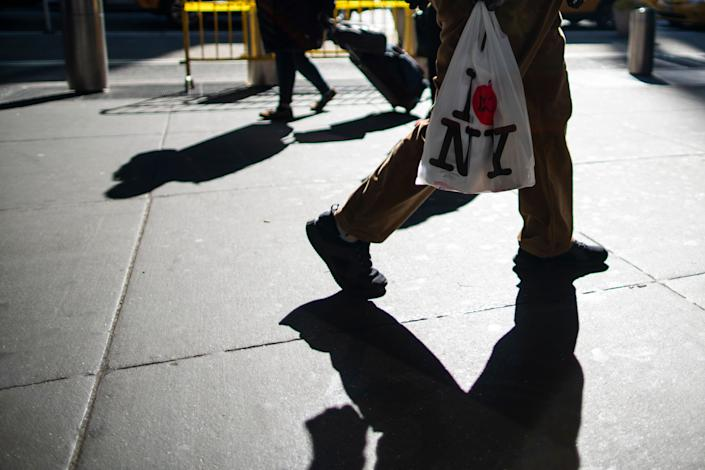 New York's ban on single-use plastic bags went into effect March 1, but enforcement is being delayed, due to the ongoing coronavirus pandemic. (Photo: Eduardo Munoz Alvarez via Getty Images)