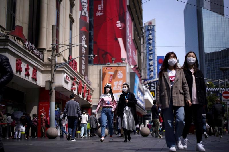 Chinese consumers urged to splurge as economy begins path to normality