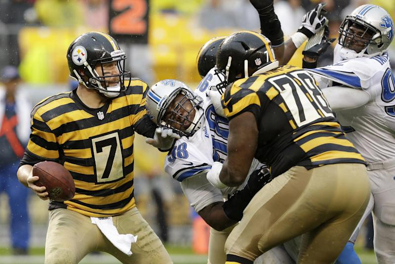 """Roethlisberger """"happy,"""" not focused on new deal"""