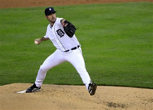 Detroit Tigers starting pitcher Justin Verlander throws during the second inning of Game 1 of the American League division baseball series against the Oakland Athletics, Saturday, Oct. 6, 2012, in Detroit. (AP Photo/Carlos Osorio)