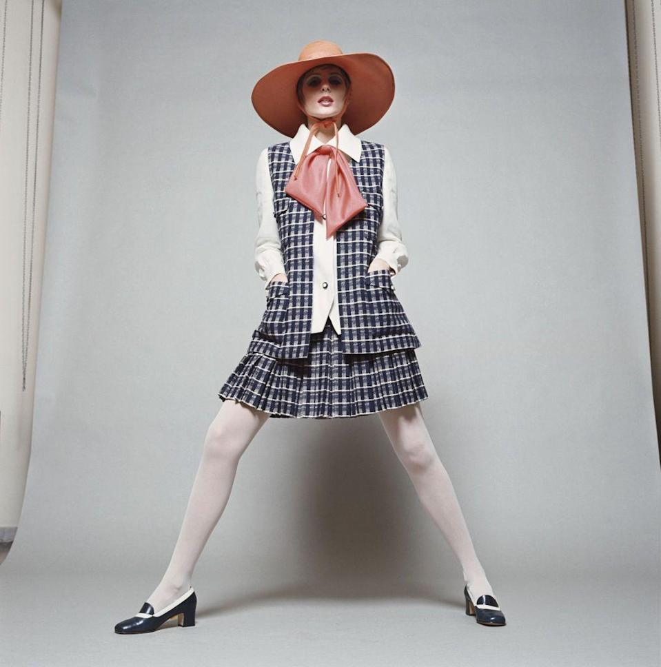 <p>If I were a working woman in the '60s, I would dress like this.</p>