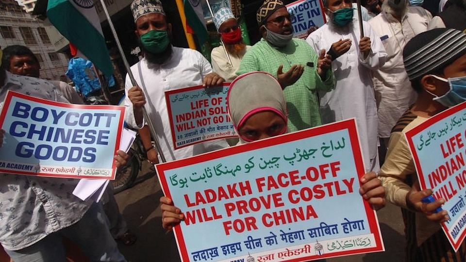 Tension on the border between India and China causes anti-Chinese protests in India