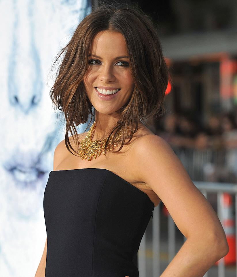 "<a href=""http://movies.yahoo.com/movie/contributor/1800020790"">Kate Beckinsale</a> at the Los Angeles premiere of <a href=""http://movies.yahoo.com/movie/1809839458/info"">Whiteout</a> - 09/09/2009"
