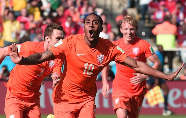 Netherlands' midfielder Leroy Fer celebrates scoring during the match against Chile at the Corinthians Arena in Sao Paulo, Brazil during the 2014 FIFA World Cup, on June 23, 2014 (AFP Photo/Damien Meyer)