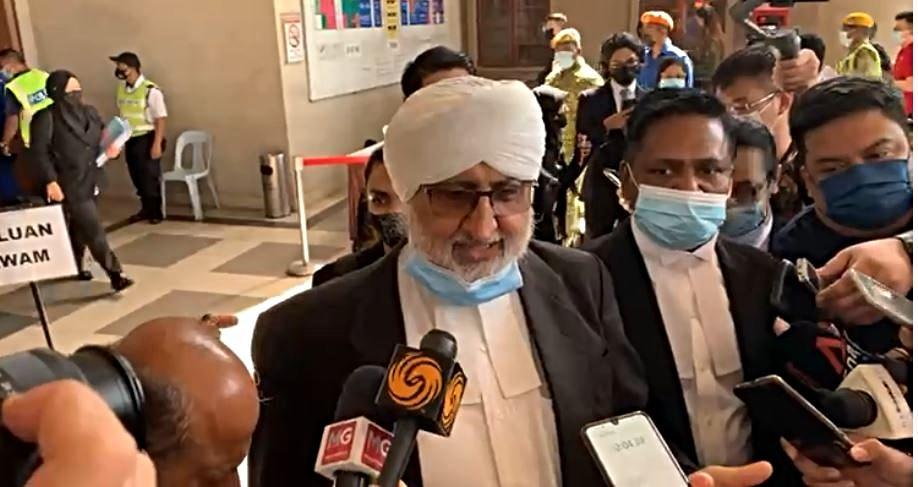Lawyer Jagjit Singh speaking to reporters today. Photo: Malaysiakini/Facebook