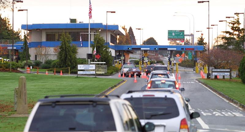 Jogger says USA  detained her after accidental border crossing